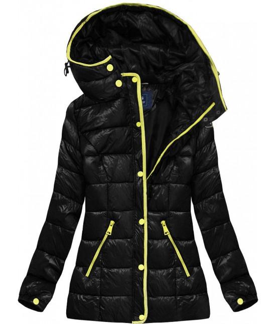 Krátka lesklá dámska zimná bunda MODA006 čierna